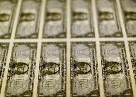 Dólar cai ante real, após dados de inflação nos EUA