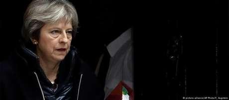 A primeira-ministra britânica, Theresa May, culpou a Rússia pelos envenenamentos