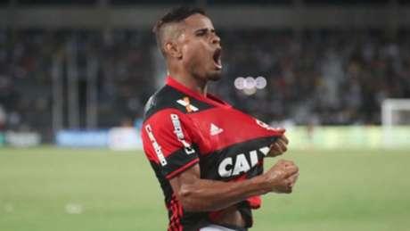 Everton comemora: camisa 22 é um dos atletas há mais tempo no clube da Gávea (Foto: Gilvan de Souza/Flamengo)