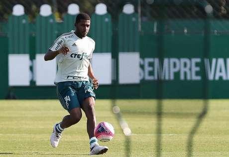 Emerson Santos foi contratado para esta temporada e ainda não estreou - FOTO: Cesar Greco/Palmeiras