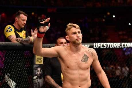 Alexander Gustafsson esperava lutar contra Cormier, mas campeão subiu para os pesados (Foto: UFC)