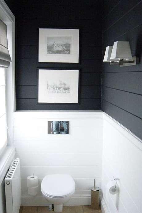 62. Banheiro preto e branco pequeno