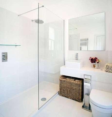 55. Decoração de banheiro todo branco