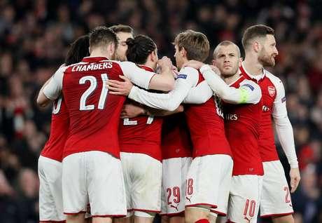 Arsenal vence de novo e despacha Milan