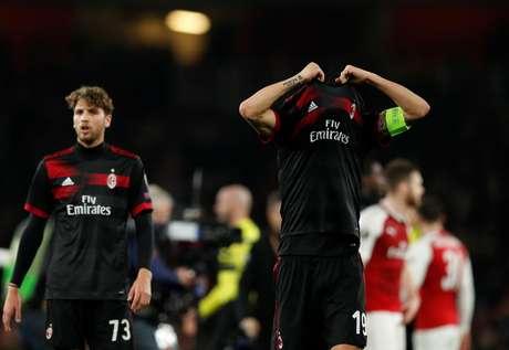 Milan abre o placar, mas leva a virada do Arsenal