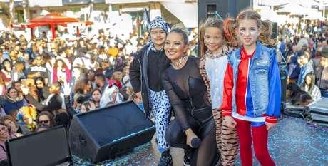 """Jenny com fãs durante show em Portugal: """"Os portugueses adoram o funk brasileiro"""""""