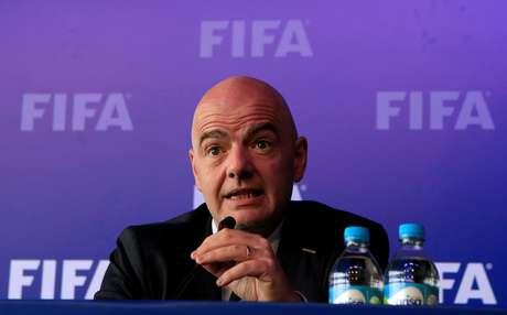 A proposta foi apresentada ao Conselho da Fifa pelo presidente da federação, Gianni Infantino, durante um encontro em Bogotá, na Colômbia, no mês passado, sem esclarecer quem são os investidores. Segundo ele, uma resposta deve ser dada pela Fifa em 60 dias.