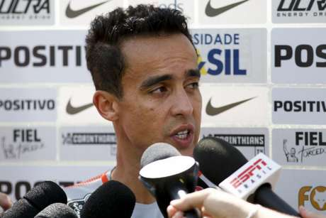 Bragantino surpreende Corinthians e vence por 3 a 2 no Pacaembu