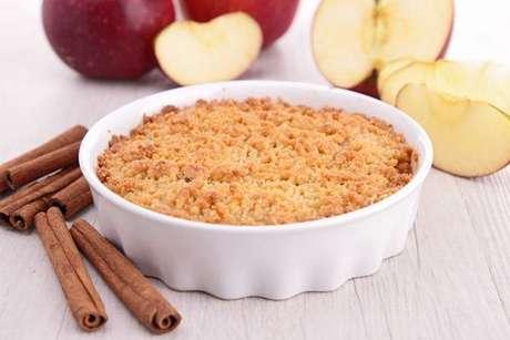 Crumble de maçã: fruta com uma farofinha doce