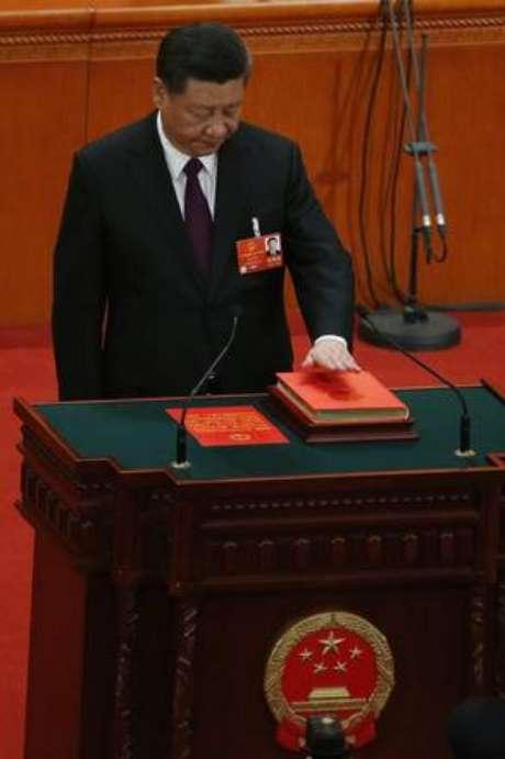 Xi Jinping é eleito para um novo mandato na China