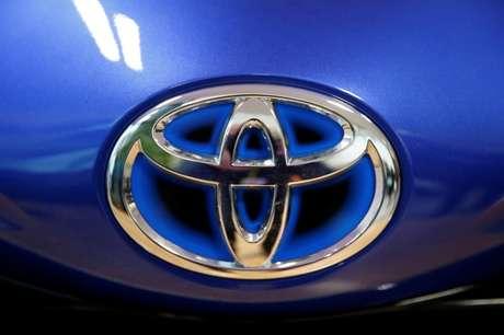 Logo da Toyota em carro em evento em Onnaing, na França 22/01/2018 REUTERS/Pascal Rossignol