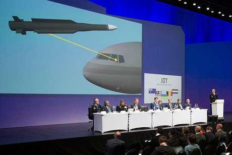 Equipe de investigação forneceu o primeiro relatório inicial sobre os resultados do acidente do voo MH17 da Malaysia Airlines em 28 de setembro de 2016, na Holanda