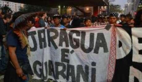O filme conta a história da luta dos guaranis contra a redução da Terra Indígena Jaraguá.