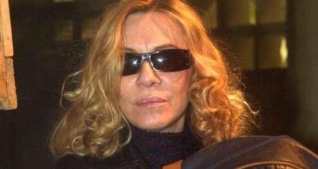 Especula-se que Nazaré (Renata Sorrah), a vilã de 'Senhora do Destino', 'ressuscite' como transexual em 'O Sétimo Guardião