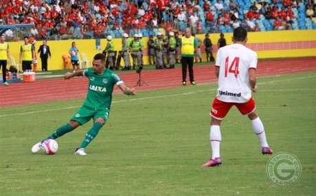 Goiás e Vila Nova em campo pelo Campeonato Goiano (Foto: Divulgação)