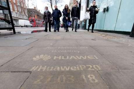 Mensagens deixadas pela empresa em Londres (Divulgação: Huawei)