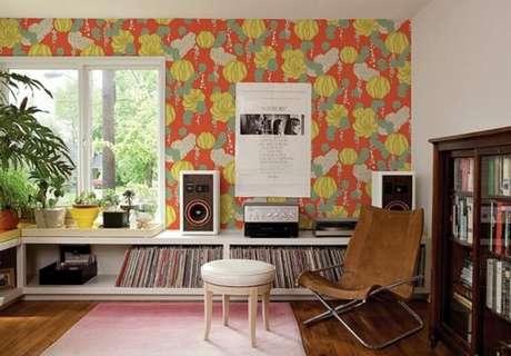 2. Seguindo nossos passos de como colar tecido na parede, você pode ter cômodos tão bonitos como este
