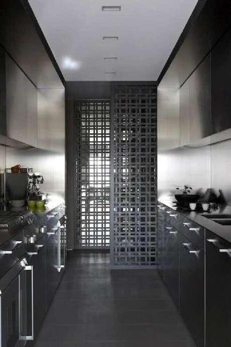 1. A decoração de cozinha preta pequena