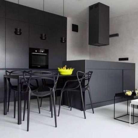 23. Você pode colocar o amarelo em apenas alguns detalhes da decoração da cozinha