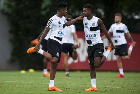 Diogo Vitor e Rodrygo em treino do Peixe: veja as 'crias' que devem estar no time titular