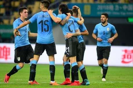 Suaréz x Bale  Uruguai e País de Gales decidem a China Cup 8414e1078748c