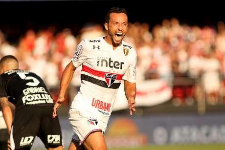 Nenê comemora o gol que acabou sacramentando a vitória do São Paulo no  clássico contra o 1e63a3a58af92