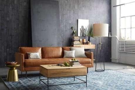 15. O sofá marrom pode trazer mais conforto em ambientes mais modernos.