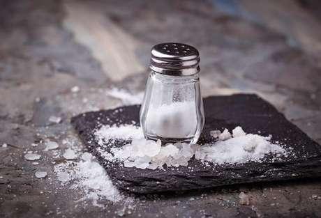 Confira 5 utilidades do sal de cozinha
