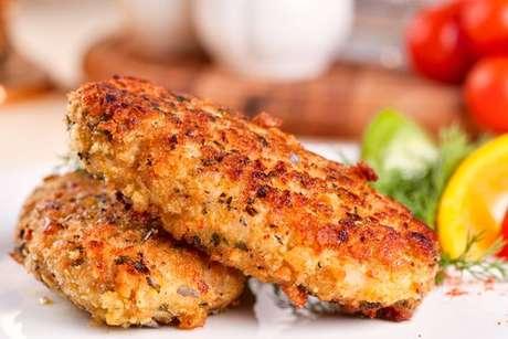 Bolinho de peixe sem farinha: receita pártica e deliciosa