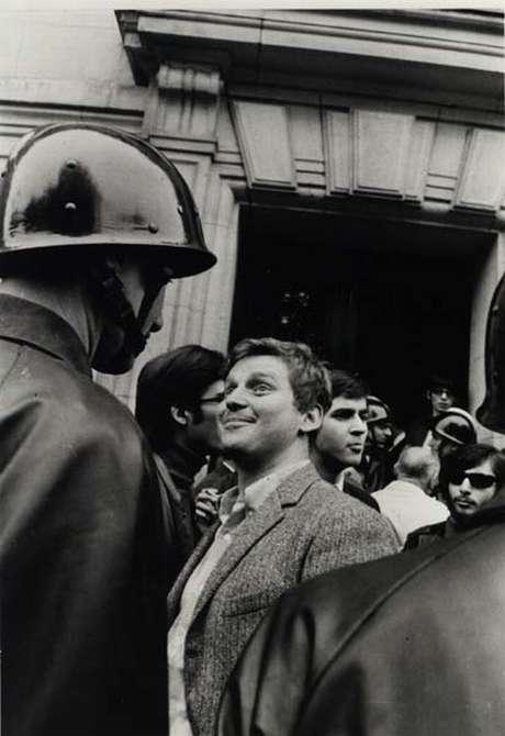 Daniel Cohn-Bendit, o Dany le rouge, ironiza a policia