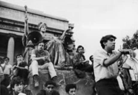 Mark Rudd durante a ocupação da U. de Columbia ( maio de 1968)