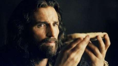 O ator Jim Caviezel interpretou Jesus no filme 'A Paixão de Cristo', de 2004, dirigido por Mel Gibson
