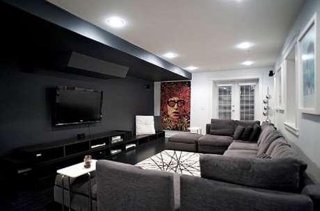 6. A decoração da sala cinza com preto pode ser bem sofisticada