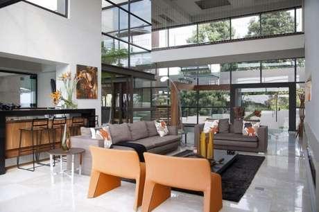 33. Linda inspiração de decoração moderna para casas luxuosas