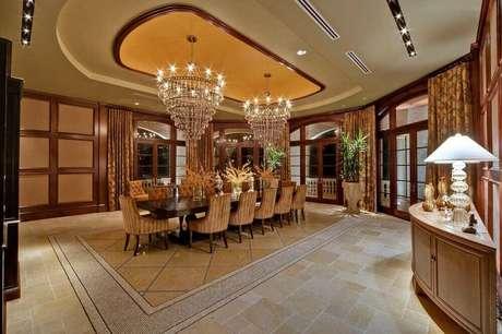 14. Casas luxuosas com lustres de cristal ficam ainda mais sofisticadas