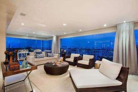38. Apartamento de luxo com uma vista linda da varanda