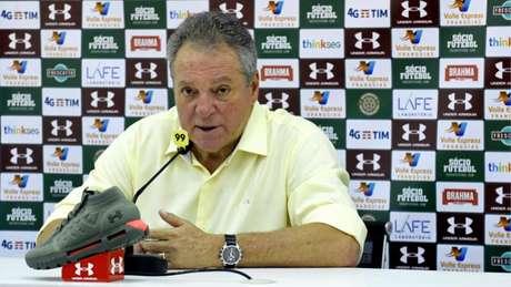 Abel Braga lamentou as chances desperdiças de sua equipe no clássico (Foto: MAILSON SANTANA/FLUMINENSE FC.)