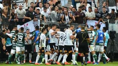 TJD-SP deve julgar confusão entre Clayson e Felipe Melo no Dérbi