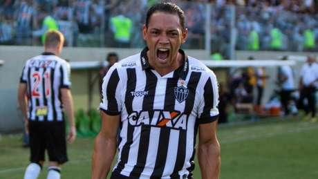 Com atuação de destaque, Ricardo Oliveira marcou dois dos três gols da vitória atleticana ( Joao Guilherme/Raw Image)