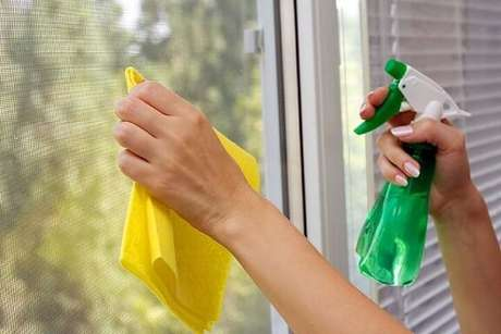 4. Com todas essas receitas, o que não vão faltar são opções de como limpar vidros