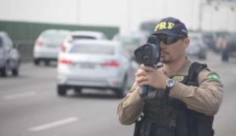 PRF reforçou a fiscalização nas rodovias federais na Semana Santa()