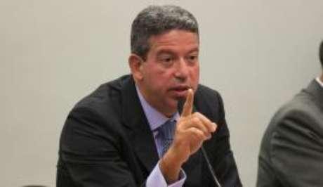 PGR denuncia deputado Arthur Lira, um dos líderes do centrão, por corrupção na Lava Jato