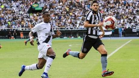 Botafogo pode encostar no Vasco na quantidade de conquistas do Carioca