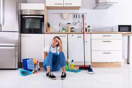 Sem desespero e com pouco tempo: confira 8 dicas de limpeza de cozinha