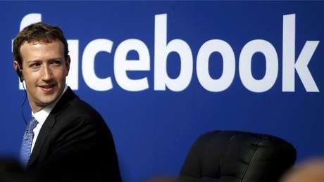 Fundador do Facebook, Zuckerberg diz que seguira à frente da empresa