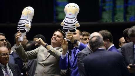 Hoje, Jair Bolsonaro (PSL) é o maior beneficiado com Lula fora do pleito