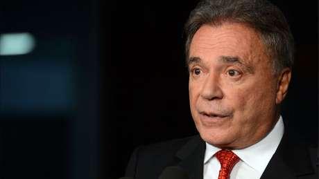 Senador Álvaro Dias ainda tenta se tornar mais conhecido entre o eleitorado