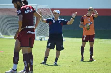 Partida entre Flamengo e América marcará adeus de Júlio Cesar