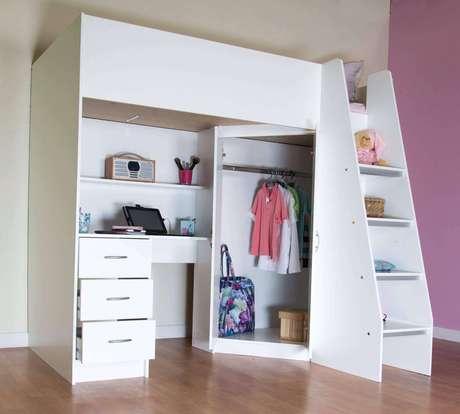10. Beliche com armário embutido e escrivaninha