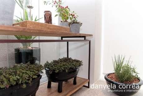 41. Você pode aproveitar móveis fazendo um jardim de inverno como este. Projeto de Danyela Correa
